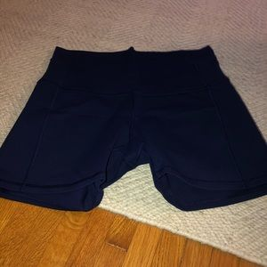 Lululemon 4 in short